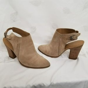 Adesso' Leather Bootie